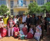 Đoàn Từ thiện Q.Gò Vấp tặng quà đến hộ nghèo