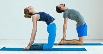 couples-yoga_ERUT