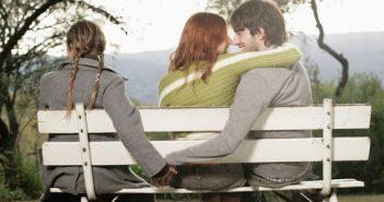 """Khoa học đã chứng minh vợ đừng bao giờ tin vào câu nói của chồng: """"Anh và cô ấy chỉ là bạn"""""""