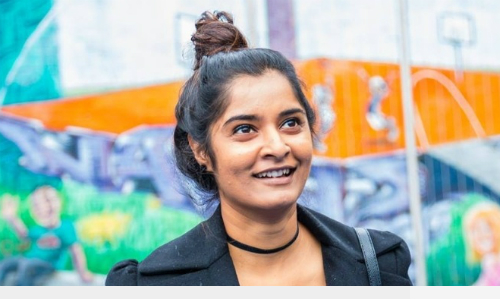 Haritha Khandabattu đã quyết chạy khỏi cuộc hôn nhân sắp đặt tồi tệ để làm lại cuộc đời ở xứ khác. Ảnh: Humans of Amsterdam.